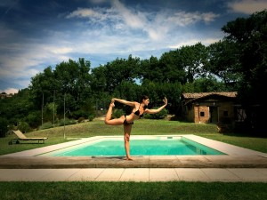 Yoga in piscina